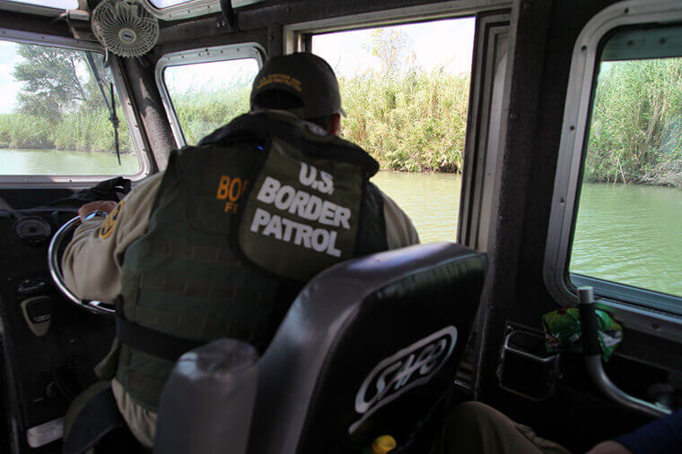 fedweek.com | senate bill seeks increase in border patrol, ICE agents