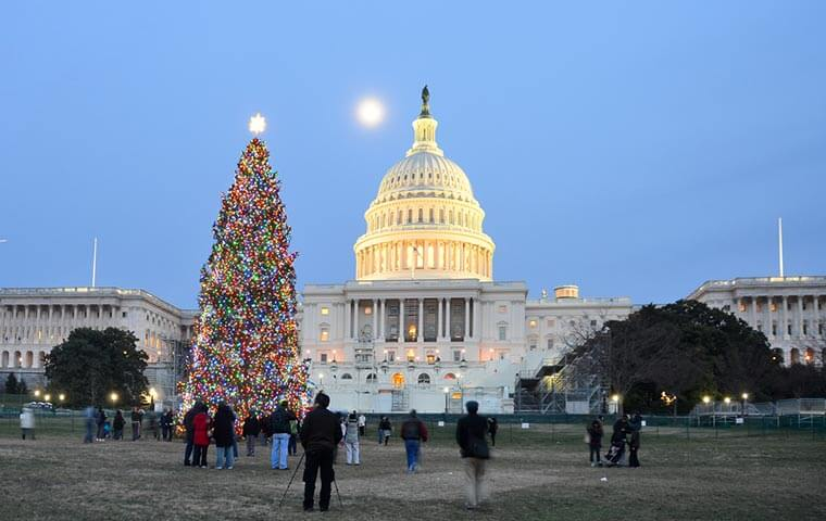 Christmas Eve Monday December 24th 2020 Trump Grants Full Day Off for December 24